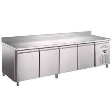 Stół chłodniczy, czterodrzwiowy o pojemności 553 L